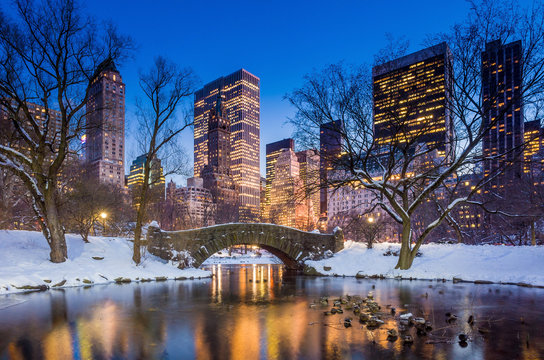 Gapstow bridge in winter, Central Park