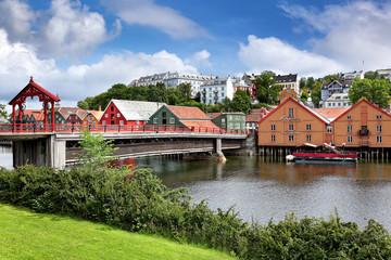 Historische Holzbrücke Gamle Bybroen in Trondheim