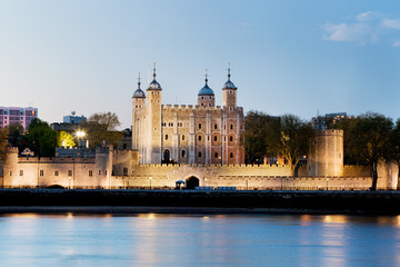 Wall Mural - The Tower of London, the UK. The Royal Palace at the evening