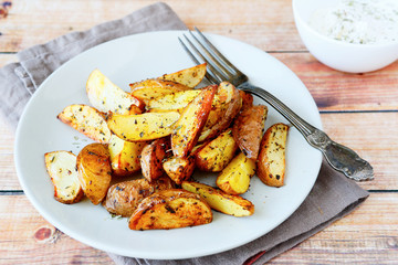 Roasted potatoes with herbs and spices
