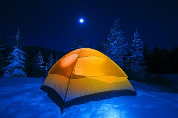 Wall Mural - Winter Tent Camping