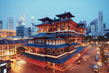 Photo sur Toile Singapoure Buddha Toothe Relic Temple in Chinatown in Singapore.