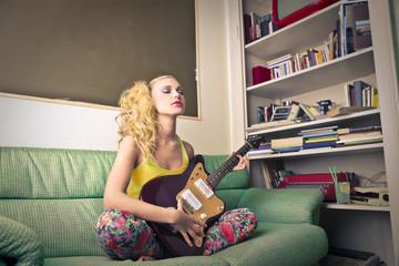 guitarist on the sofa