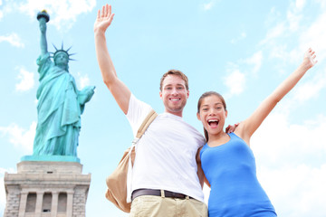 Aufkleber - Travel tourists couple at Statue of Liberty, USA