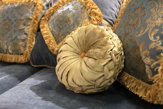 Golden round cushion