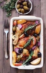 chicken legs  with apples and olives