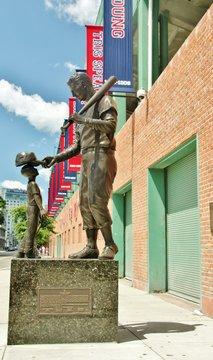 Ted Williams statue at Fenway Park