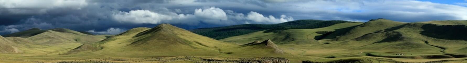 Regenzeit in der mongolischen Steppe