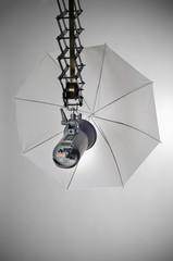 Foto Studio Kompaktblitz mit Reflexschirm weiß transluzent