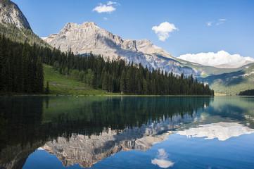 Photo sur Aluminium Reflexion la montagna riflessa nel lago