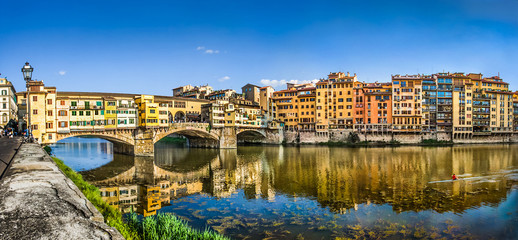 Foto op Textielframe Florence Ponte Vecchio with river Arno at sunset in Florence, Italy