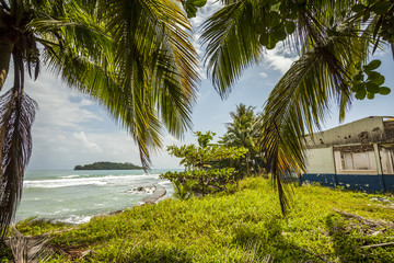 Strand von Port Limon Costa Rica