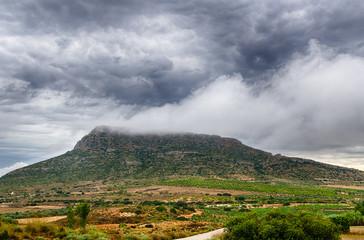 Monte Chisnar nublado