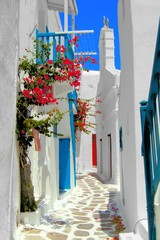 Wall Mural - Whitewashed street in the old town of Mykonos, Greece