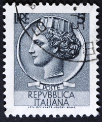 Post stamp printed in Italy shows an Ancient coin of Syracuse