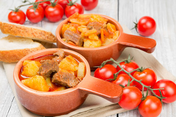 Stewed potatoes with meat