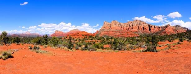Fototapete - Panoramic view of the red rocks of Sedona, Arizona, USA