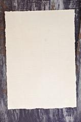 Blatt geripptes Papier