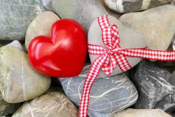 Obraz premium Serca z wstążką prezent