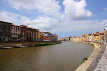Fleuve Arno traversant Pise