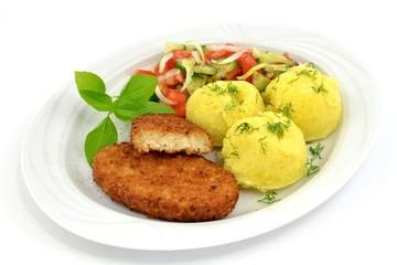kotlet rybny z ziemniakami