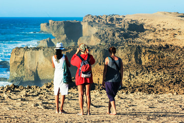 Papiers peints Maroc turiste guardano panorama in marocco