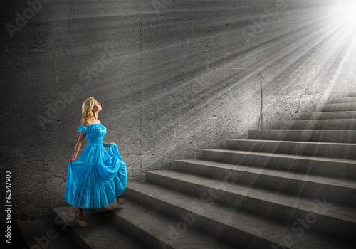 девочка платье свет лестница загрузить