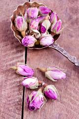 dried rose buds