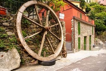 decorative wooden wheel