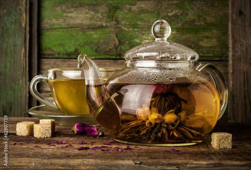 хлеб чай кружка чайник масло  № 2118918 загрузить
