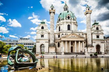 Keuken foto achterwand Wenen Famous Karlskirche (St. Charles's Church) in Vienna, Austria