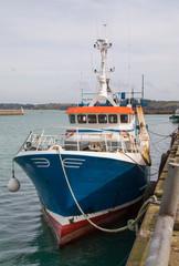 Chalutiers dans le port de Rosmeur a Douarnenez en Bretagne