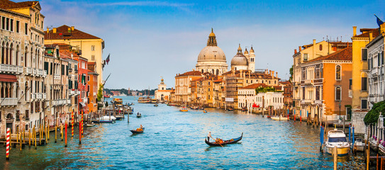 Photo sur Aluminium Gondoles Canal Grande panorama at sunset, Venice, Italy
