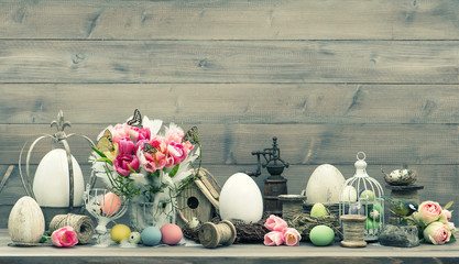 Easter decoration with tulips end eggs