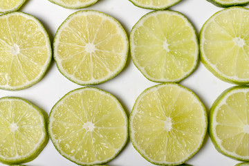 round slices of lime fruit