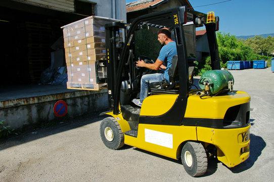 chariot élévateur-transport logistique