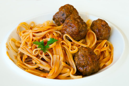Delicious Pasta with Meatballs