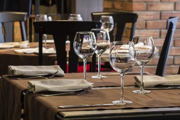 Fine restaurant dinner table place setting: napkin & wineglass
