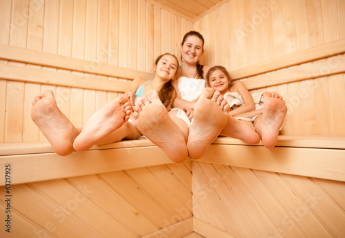 мая голая мама и сестра любителское фото