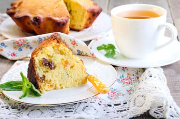Raisin & dry apricot cake