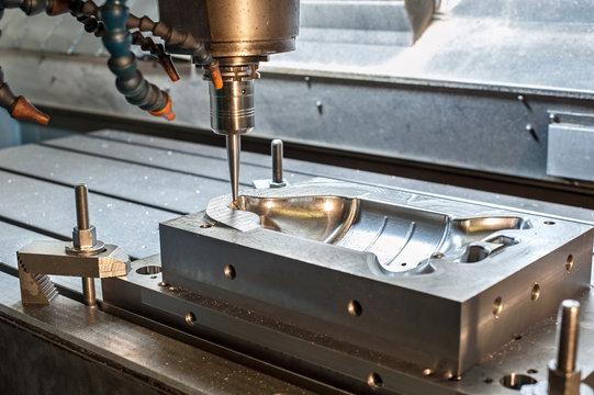 Industrial metal mold/die milling. Metalworking.