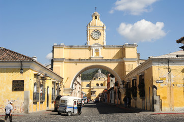 Santa Catalina arch and church of Merced at Antigua