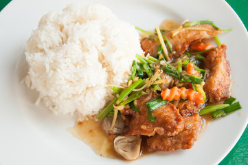 Stir-fried fish with colorful vegetables, mushroom and herb