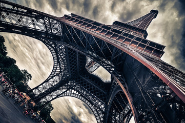 Wall Mural - View of Eiffel tower in Grungy dramatic style