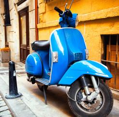 Fotorolgordijn Scooter Сity street and scooter