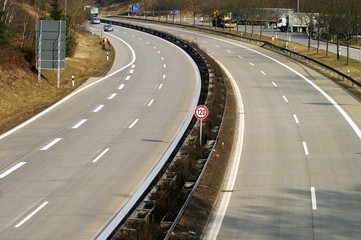 Fototapete - Eine leere Autobahn