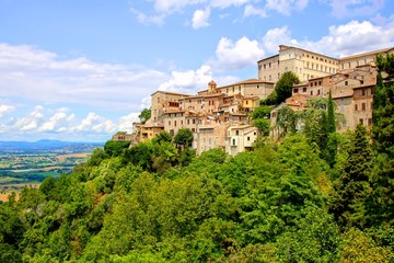 Fototapete - View over the old hill town of Todi, Umbria, Italy