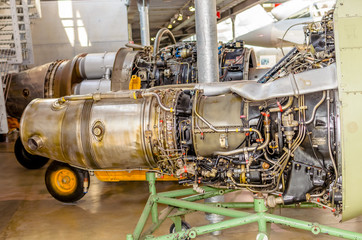 Luftfahrt - Düsentriebwerk