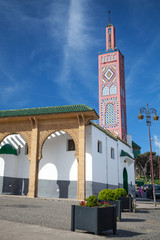 Fototapete - Old colorful mosque in Tangier town, Morocco