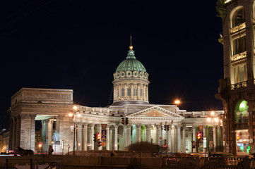 Fototapete - Kazan Cathedral at night, St. Petersburg, Russia